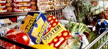 Healthy_snacks_in_cart