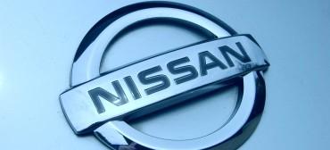 2009_Nissan_GT-R_Premium_-_Flickr_-_The_Car_Spy_(12)
